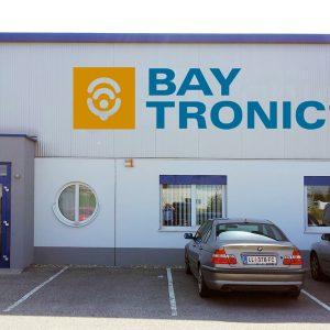 Gebäudebeschriftung für BAYTRONIC Elektronikgroßmarkt in Asten