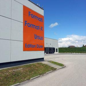 Gebäudebeschriftung für Format-X